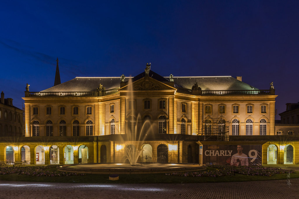 F20 : Place de la Comédie - Opéra  Théâtre (L'heure bleue)