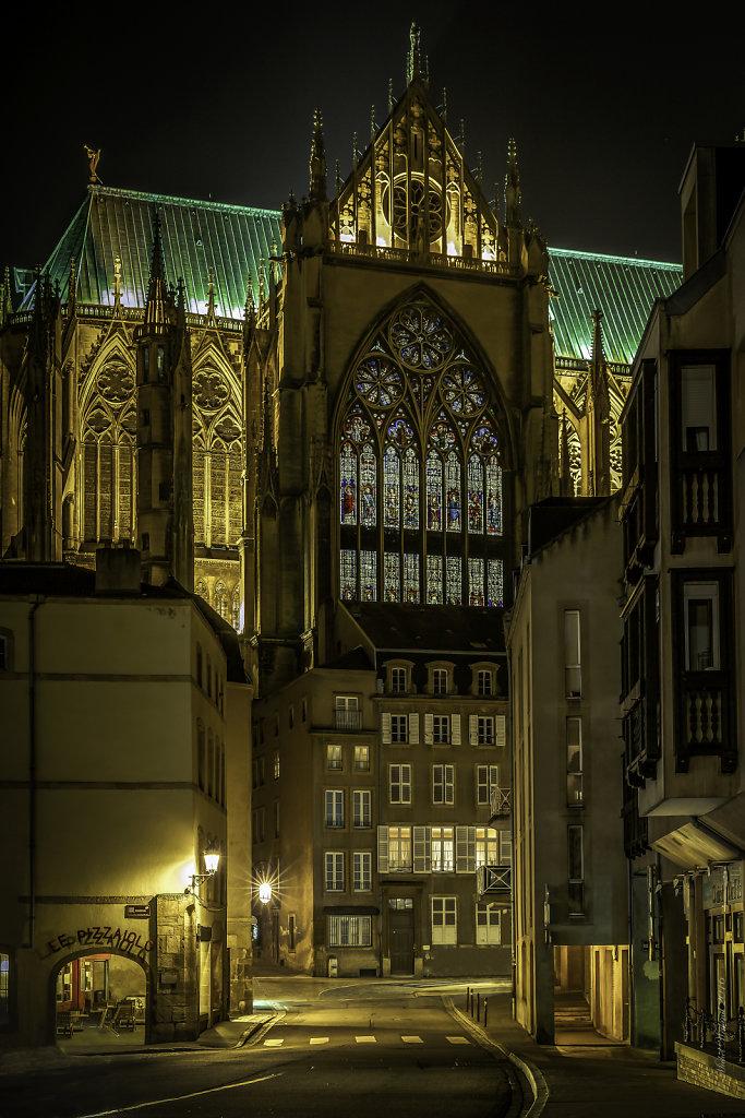 F02 & F09   : La Cathédrale Saint-Etienne et la  Rue Paul Tornow