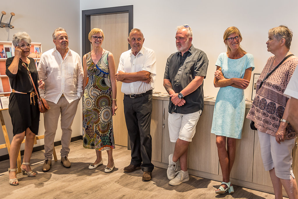LEXPO-de-mes-EXPOS-VERNISSAGE-Photos-en-groupe23062017-MG-6524.JPG