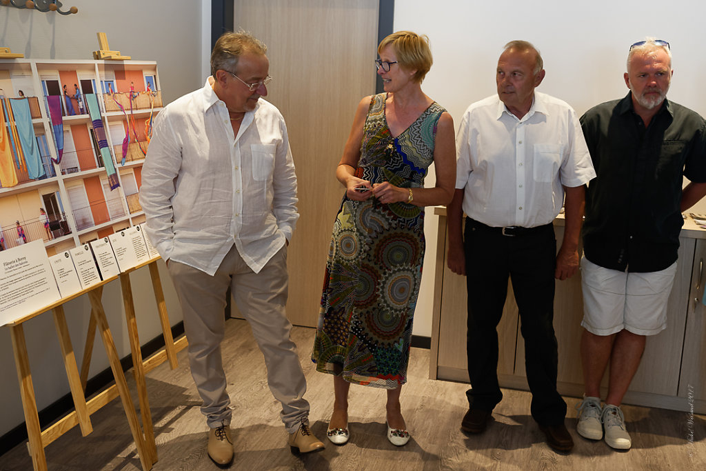 LEXPO-de-mes-EXPOS-VERNISSAGE-Photos-en-groupe-Etienne-23062017-1.JPG