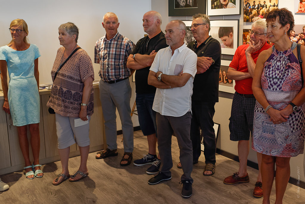 LEXPO-de-mes-EXPOS-VERNISSAGE-Photos-en-groupe-Etienne-23062017-2.JPG