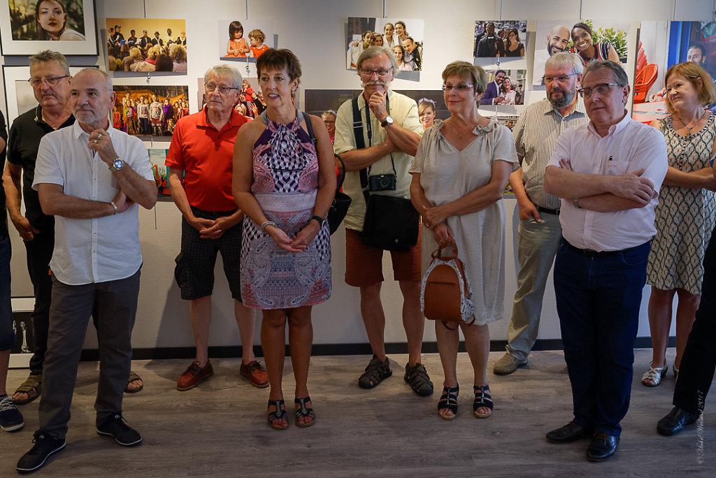 LEXPO-de-mes-EXPOS-VERNISSAGE-Photos-en-groupe-Etienne-23062017-3.JPG