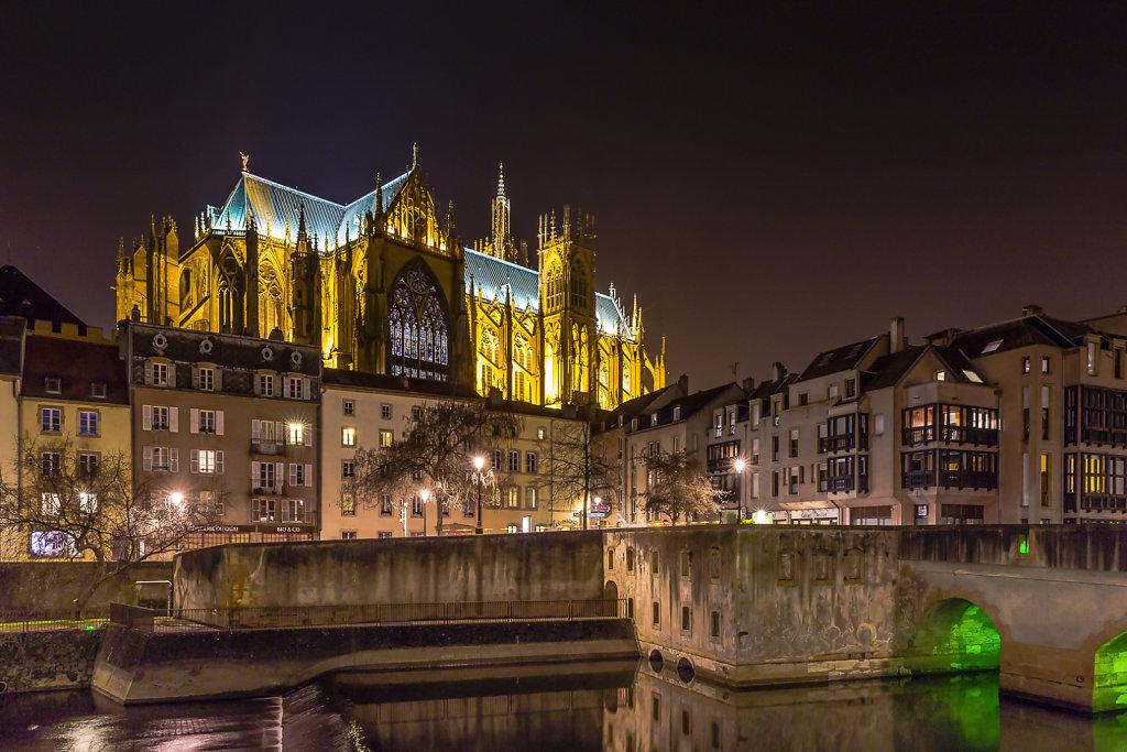 Cathédrale Saint-Etienne - Le Pont-des-Roches - vue de la Place de la Comédie